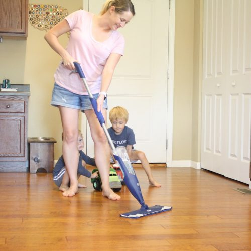 Beautiful Floors with Bona | How to clean your hardwood floors with Bona | Family and Lifestyle blogger Liz from Ellie And Addie