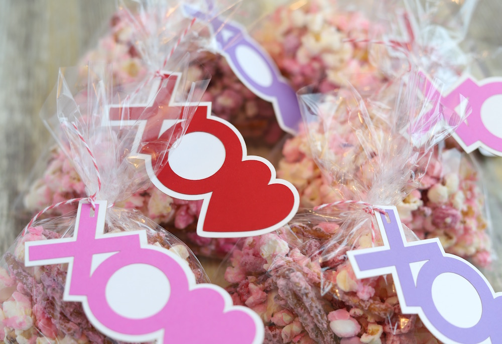 Valentine's Day Popcorn - a party popcorn snack mix for Valentine's Day from St. Louis Family and Lifestyle Blogger Liz of lizrotz.com