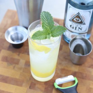 Lemonade Sparkler Cocktail