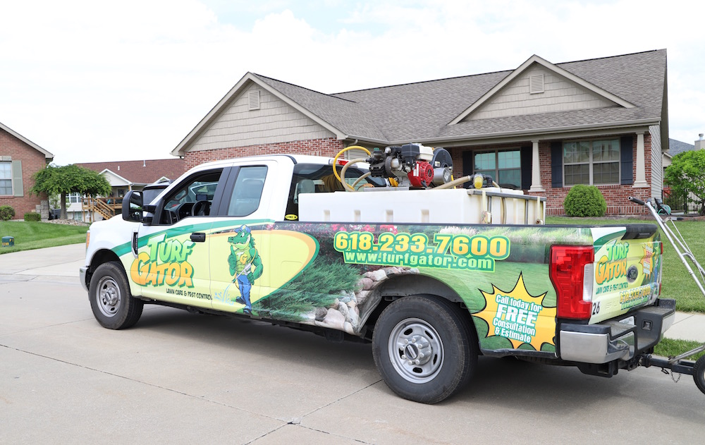Greenest Grass on the Block with TurfGator | The best lawn care services in Southern Illinois