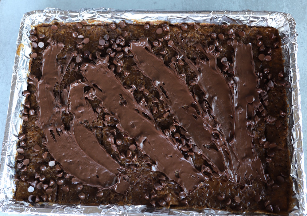Bacon Toffee Recipe - a holiday dessert with graham crackers, brown sugar, chocolate, and bacon! Perfect for any holiday get together!