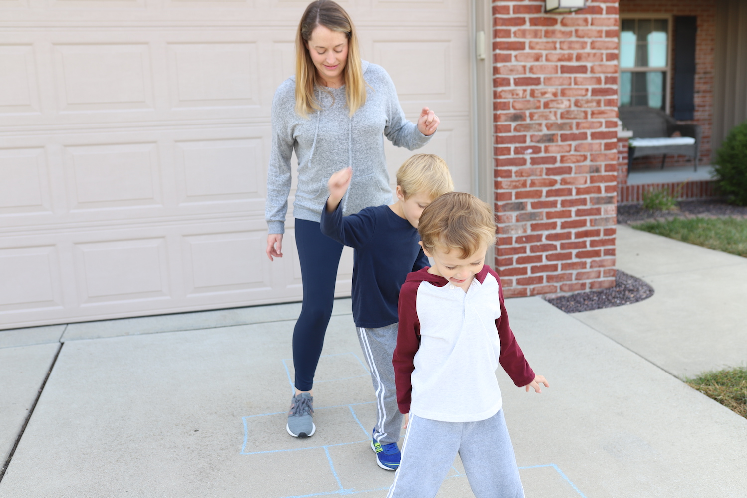 Take a brain break from learning with the new Ritz Cheese Crispers! Check out our fun ideas to break up learning and use our imaginations! #cRITZpy
